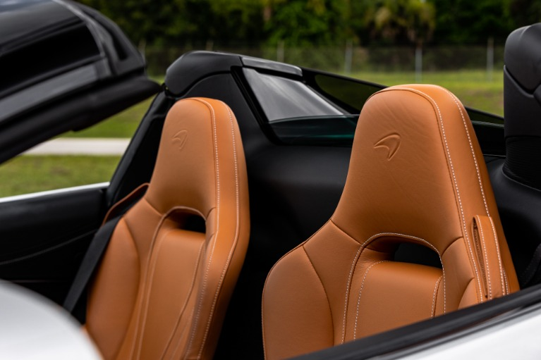 New 2020 McLaren 720S Spider Luxury for sale $357,910 at McLaren Orlando LLC in Titusville FL 32780 4