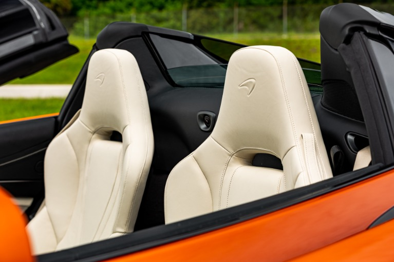 New 2021 McLaren 720S Spider Luxury for sale Call for price at McLaren Orlando LLC in Titusville FL 32780 4