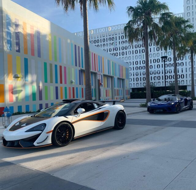 Happy #McLarenMonday everyone! These 2 looked awfully nice in Lake Nona yesterday, but they'd look better in your driveway! 😁